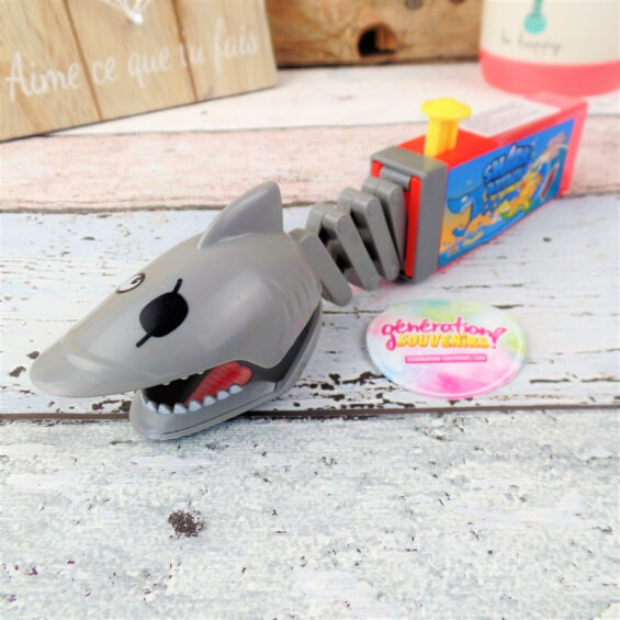Sucette requin - Shark Attack